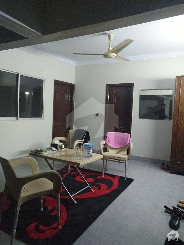 کلفٹن ۔ بلاک 2 کلفٹن کراچی میں 2 کمروں کا 4 مرلہ فلیٹ 1.1 کروڑ میں برائے فروخت۔