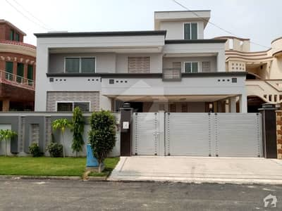 House Is Available For Sale In DC Colony
