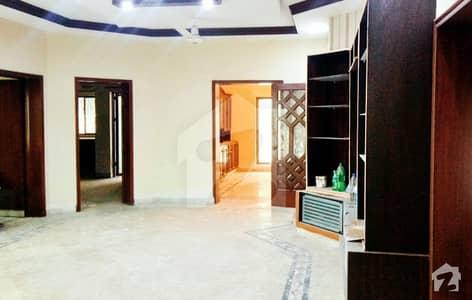 ڈی ایچ اے فیز 2 ڈیفنس (ڈی ایچ اے) لاہور میں 5 کمروں کا 1 کنال مکان 1.15 لاکھ میں کرایہ پر دستیاب ہے۔