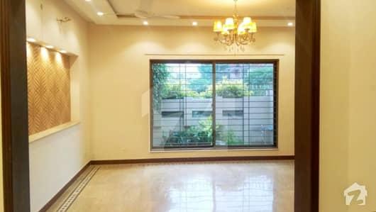ڈی ایچ اے فیز 5 ڈیفنس (ڈی ایچ اے) لاہور میں 4 کمروں کا 10 مرلہ مکان 1.15 لاکھ میں کرایہ پر دستیاب ہے۔
