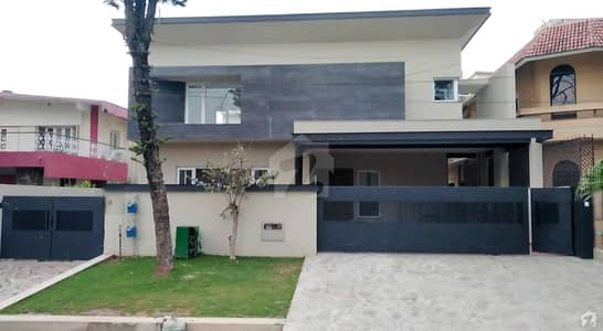 F8 Brand New House For Sale