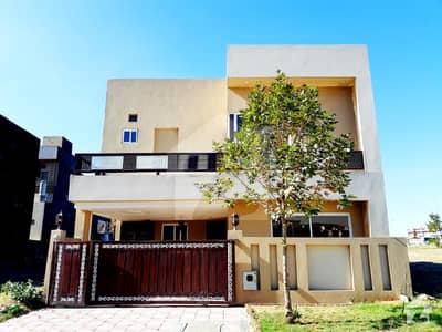 بحریہ ٹاؤن فیز 8 بحریہ ٹاؤن راولپنڈی راولپنڈی میں 5 کمروں کا 7 مرلہ مکان 1.4 کروڑ میں برائے فروخت۔
