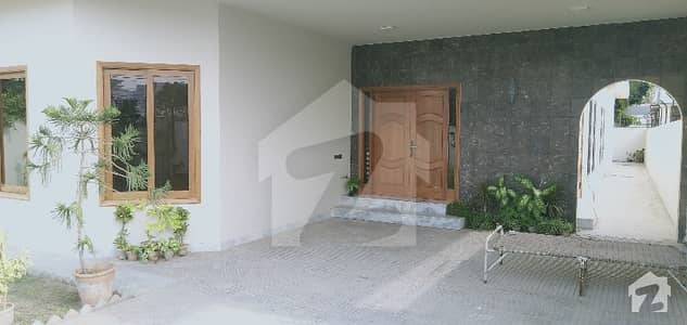 An Extra Ordinary Maintained Old 666 Sq Yards Bungalow For Rent At Kh E Janbaz