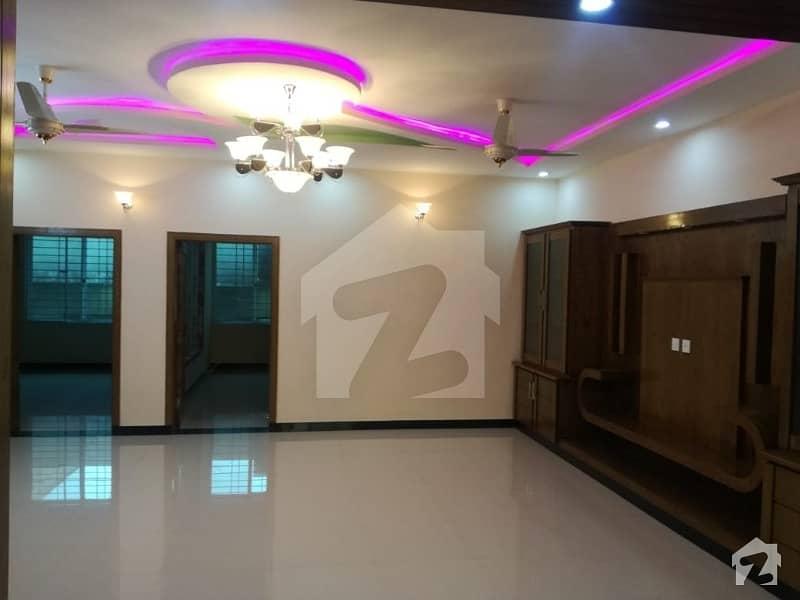پی ڈبلیو ڈی روڈ اسلام آباد میں 3 کمروں کا 12 مرلہ زیریں پورشن 38 ہزار میں کرایہ پر دستیاب ہے۔