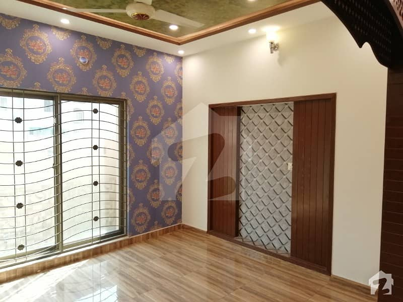 5 Marla Beautiful House For Rent In CC block Sector D Bahria Town LHR