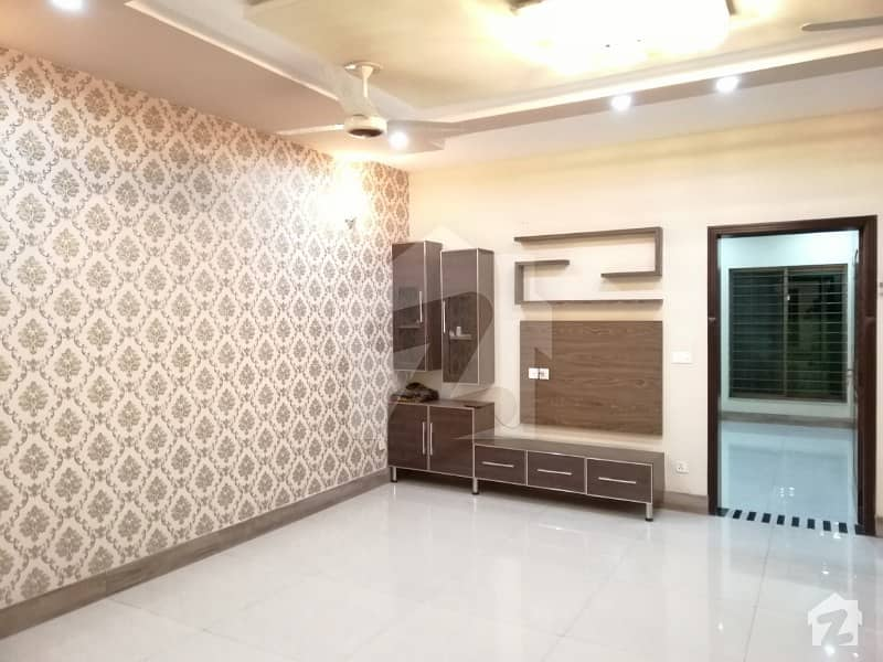 10 Marla Beautiful House For Rent In Jasmine Block Sector C Bahria Town LHR