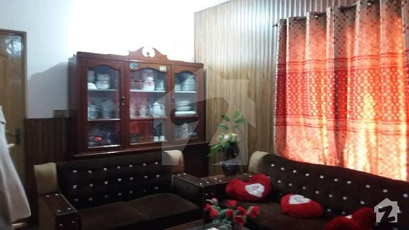 لیک سٹی - سیکٹر M7 - بلاک اے لیک سٹی ۔ سیکٹرایم ۔ 7 لیک سٹی لاہور میں 4 کمروں کا 10 مرلہ مکان 1.3 کروڑ میں برائے فروخت۔