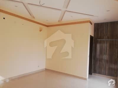 لیک سٹی ۔ سیکٹر ایم ۔ 5 لیک سٹی لاہور میں 5 کمروں کا 10 مرلہ مکان 2.35 کروڑ میں برائے فروخت۔