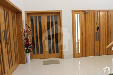 2 Kanal Hot Location house on best Price in M  3 Lake City