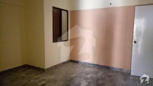بدر کمرشل ایریا ڈی ایچ اے فیز 5 ڈی ایچ اے کراچی میں 2 کمروں کا 4 مرلہ فلیٹ 55 لاکھ میں برائے فروخت۔