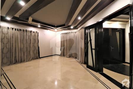 Separate Door 3 Bed Near Park 1 Kanal Lower Portion For Rent In Low Price