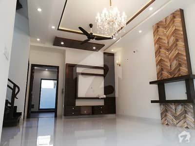 Slightly Used 10 Marla Bungalow For Sale Located In  Bahria Town  Jamsine Block