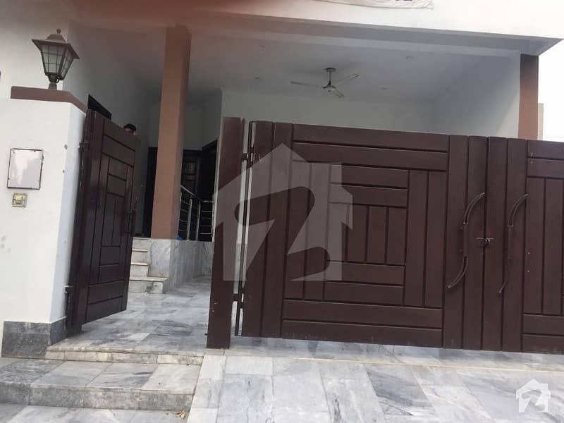 پارک ویو ۔ بلاک اے پارک ویو ڈی ایچ اے فیز 8 ڈی ایچ اے ڈیفینس لاہور میں 7 کمروں کا 10 مرلہ مکان 80 ہزار میں کرایہ پر دستیاب ہے۔