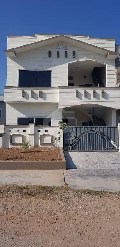 25 X 50 Brand New House For Sale
