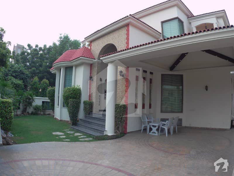 Full Furnished With Basement Swimming Pool And Snooker 1 Kanal House