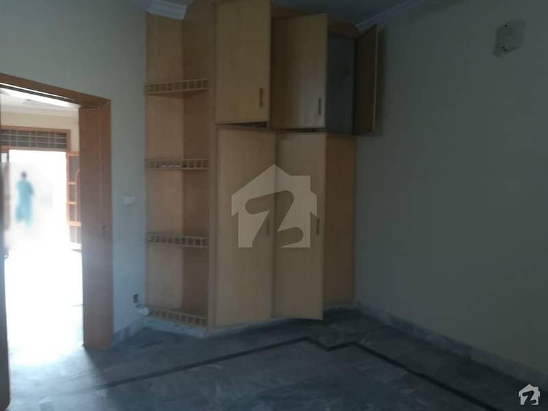 عسکری 14 راولپنڈی میں 4 کمروں کا 12 مرلہ مکان 55 ہزار میں کرایہ پر دستیاب ہے۔