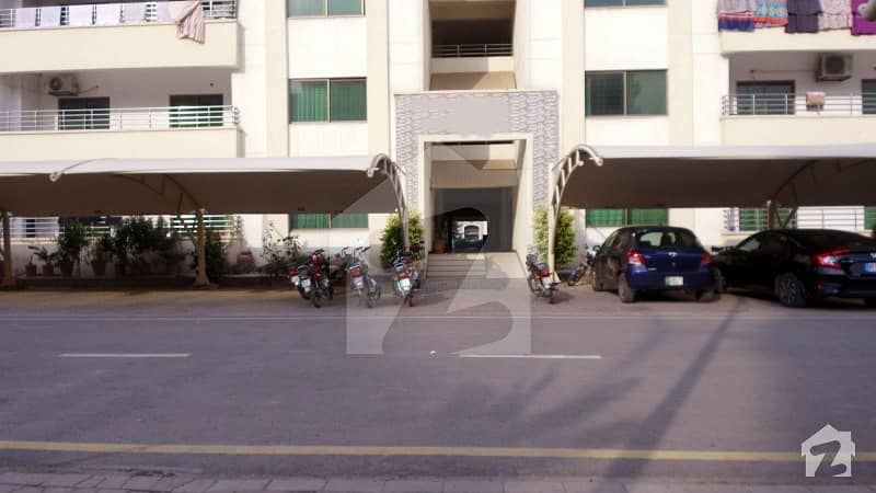 Superb Open View 12 Marla 4 Beds Flat On 4TH Floor For Sale In Askari 11 Lahore At Cheaper Rate With Gas