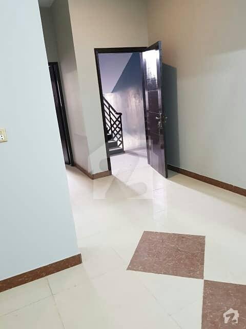 گلشنِ اقبال گلشنِ اقبال ٹاؤن کراچی میں 3 کمروں کا 5 مرلہ بالائی پورشن 75 لاکھ میں برائے فروخت۔