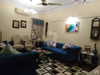 گلشنِ اقبال - بلاک 17 گلشنِ اقبال گلشنِ اقبال ٹاؤن کراچی میں 3 کمروں کا 7 مرلہ فلیٹ 3.25 کروڑ میں برائے فروخت۔