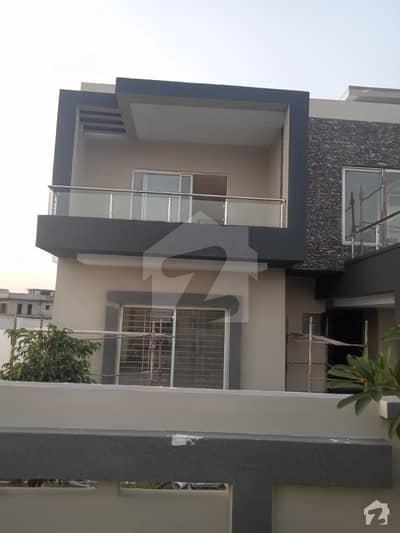 بحریہ ٹاؤن فیز 8 ۔ بلاک اے بحریہ ٹاؤن فیز 8 بحریہ ٹاؤن راولپنڈی راولپنڈی میں 7 کمروں کا 1 کنال مکان 3 کروڑ میں برائے فروخت۔