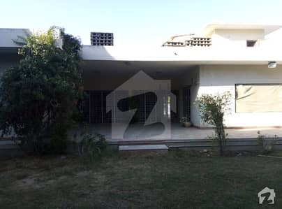 1000 Sq Yard Single Story Bungalow For Rent In Dha Phase 4