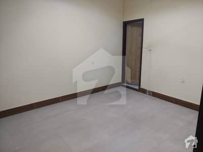 منظور کالونی کراچی میں 3 کمروں کا 4 مرلہ فلیٹ 33 لاکھ میں برائے فروخت۔