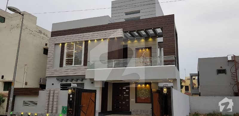 Brand New Designer House 10 Marla For Sale in Bahria Town