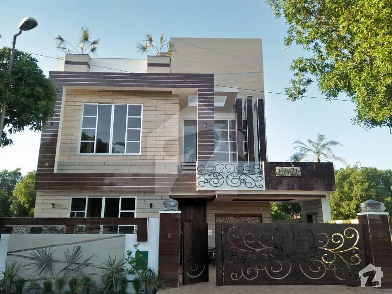10 Marla Attractive Brand New House for Sale in Overseas Block Bahria Town
