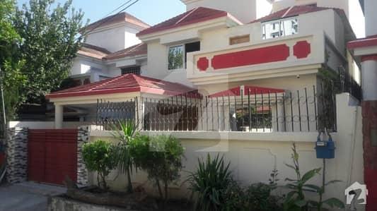 Rabya banglor 10 marla House for sale
