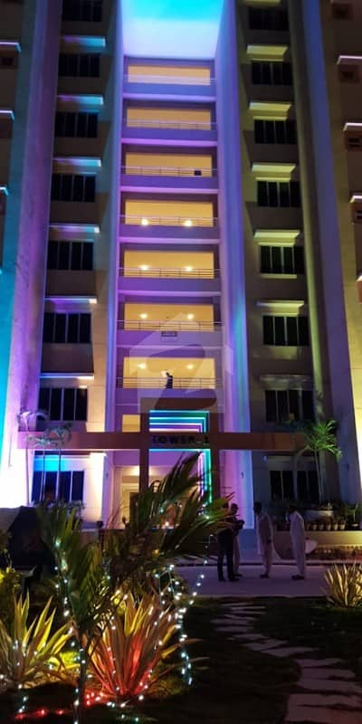 Luxury 5 Bed With Lounge With Servant Quarter Flat On Shahra E Faisal Main