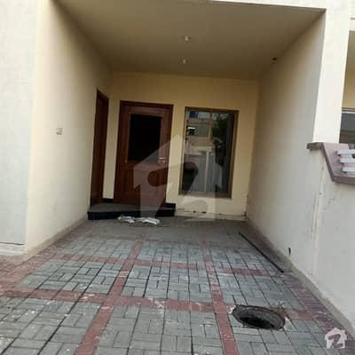 لیک سٹی - سیکٹر M7 - بلاک اے لیک سٹی ۔ سیکٹرایم ۔ 7 لیک سٹی لاہور میں 3 کمروں کا 10 مرلہ مکان 36 ہزار میں کرایہ پر دستیاب ہے۔