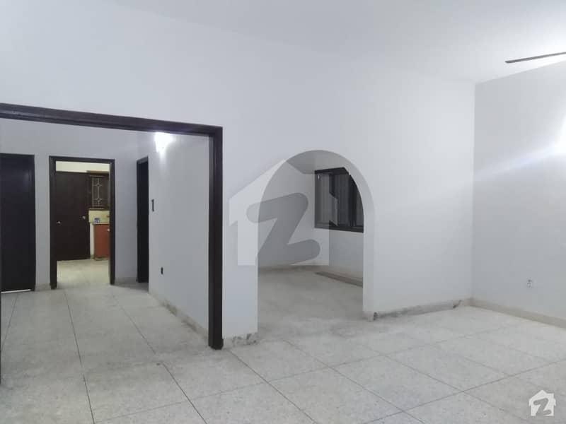 کلفٹن ۔ بلاک 5 کلفٹن کراچی میں 4 کمروں کا 1.2 کنال مکان 3 لاکھ میں کرایہ پر دستیاب ہے۔