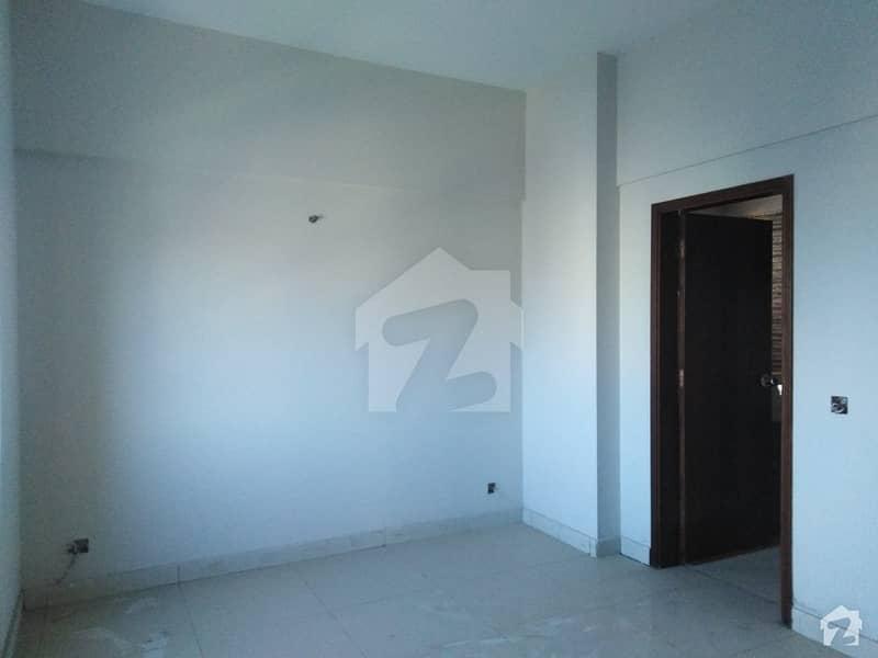 کلفٹن ۔ بلاک 9 کلفٹن کراچی میں 2 کمروں کا 7 مرلہ فلیٹ 2 کروڑ میں برائے فروخت۔