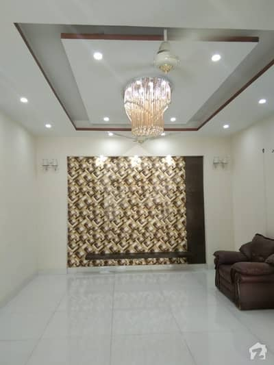 10 Marla Luxury Full House Available For Rent In Bahria Town Lahore