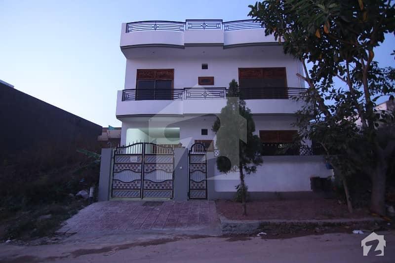 جی ۔ 13/2 جی ۔ 13 اسلام آباد میں 5 کمروں کا 8 مرلہ مکان 2.3 کروڑ میں برائے فروخت۔