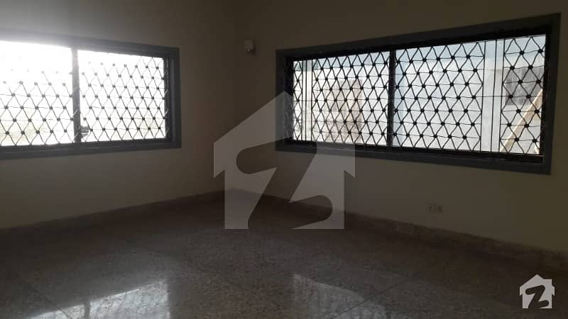 300 yard bungalow available for Rent in DHA phase 4