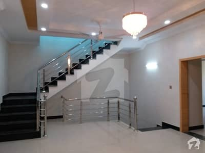 Real Pics 40x80 New Upper portion for rent