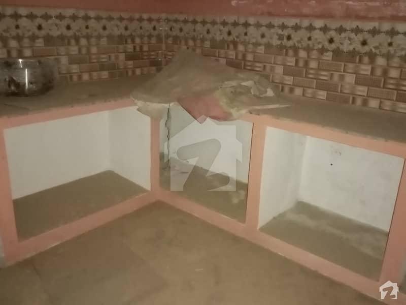 جواد ایونیو اوکاڑہ میں 3 کمروں کا 10 مرلہ مکان 25 ہزار میں کرایہ پر دستیاب ہے۔