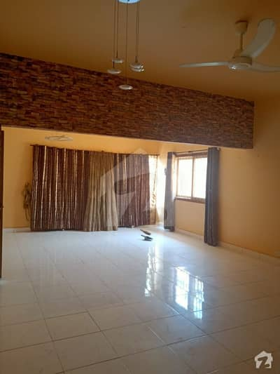 300 Sq Yards 3 Bedrooms With Study Room Drawing Dining TV Lounge Fully Renovated Out Class Condition