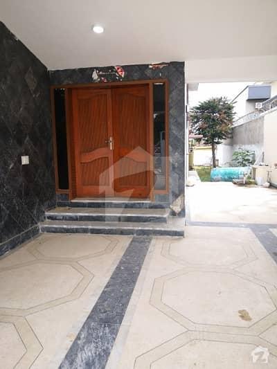 ایف ۔ 10 اسلام آباد میں 5 کمروں کا 1 کنال مکان 2 لاکھ میں کرایہ پر دستیاب ہے۔