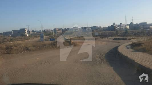 Main 50 Ft Road Level 30x60 Plot Up For Sale