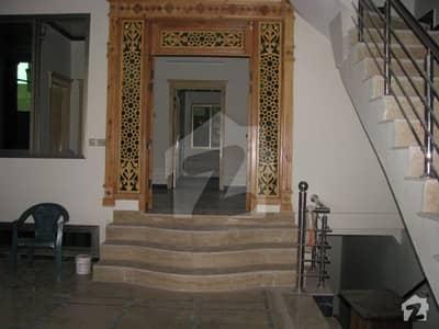 کینال روڈ پشاور میں 9 کمروں کا 12 مرلہ مکان 60 ہزار میں کرایہ پر دستیاب ہے۔