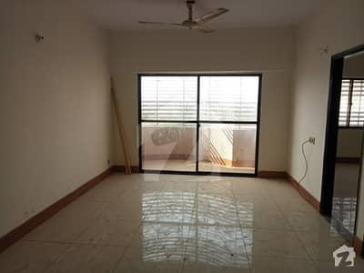 یونیورسٹی روڈ کراچی میں 3 کمروں کا 8 مرلہ فلیٹ 40 ہزار میں کرایہ پر دستیاب ہے۔