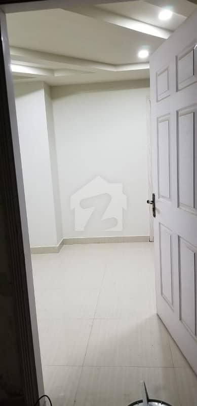 بحریہ ٹاؤن ۔ سوِک سینٹر بحریہ ٹاؤن فیز 4 بحریہ ٹاؤن راولپنڈی راولپنڈی میں 2 کمروں کا 4 مرلہ فلیٹ 60 لاکھ میں برائے فروخت۔