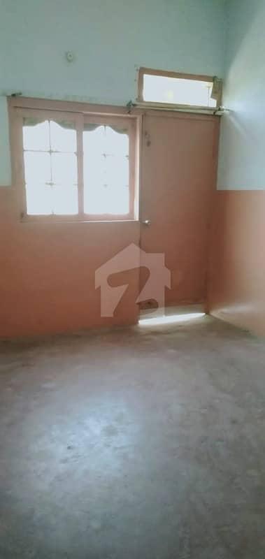 محمودآباد نمبر 5 محمود آباد کراچی میں 2 کمروں کا 4 مرلہ زیریں پورشن 15 ہزار میں کرایہ پر دستیاب ہے۔