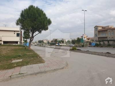 500 Sq Yards Boulevard Corner South Face  Sector Road Corner Plot For Sale