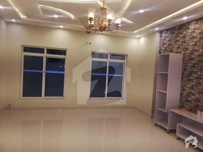 بحریہ ٹاؤن فیز 3 بحریہ ٹاؤن راولپنڈی راولپنڈی میں 6 کمروں کا 1 کنال مکان 4.45 کروڑ میں برائے فروخت۔