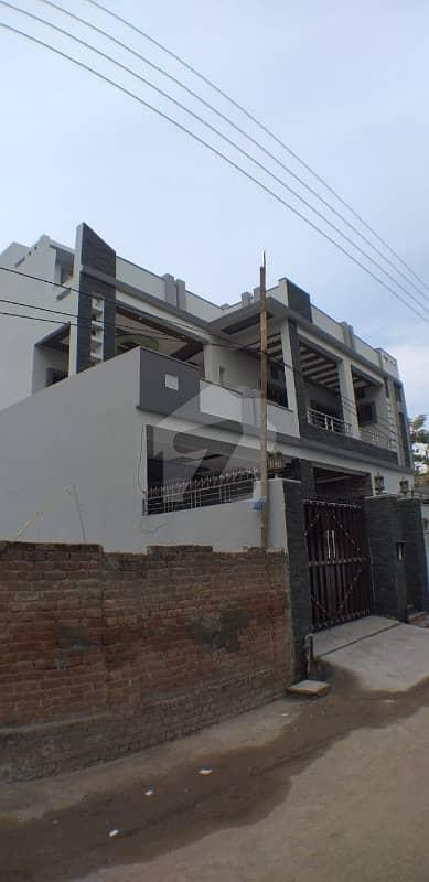شادمان کالونی گجرات میں 7 کمروں کا 10 مرلہ مکان 2.2 کروڑ میں برائے فروخت۔
