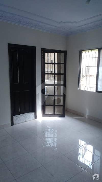 طارق روڈ کراچی میں 2 کمروں کا 3 مرلہ فلیٹ 55 لاکھ میں برائے فروخت۔
