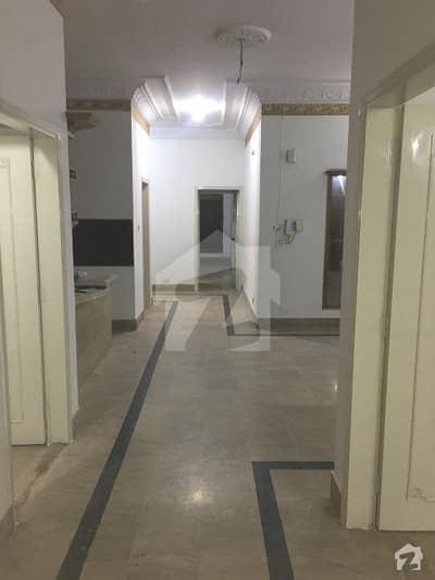 گلستانِ جوہر کراچی میں 3 کمروں کا 16 مرلہ مکان 50 ہزار میں کرایہ پر دستیاب ہے۔